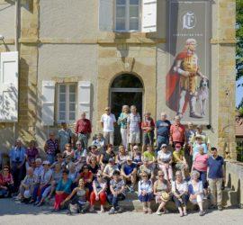 Club Vosgien de Cernay dans la cour du Château de Foix.Photo: Yves Crozelon