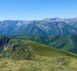 Pyréenés Ariège : Le pic du Tarbesou 2364 m Alt. Photo : Marianne Tolomio