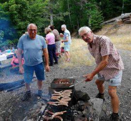 Barbecue au Chêne Wotan. J-P Streiff, Henri Poupelle et Yves Zigler Photo : Anne Marie de Sousa